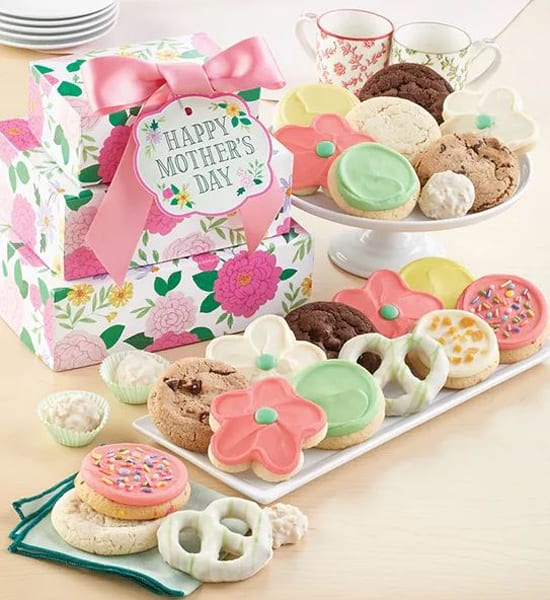 Mother's Day Buttercream Cookie Flowers Gift Basket