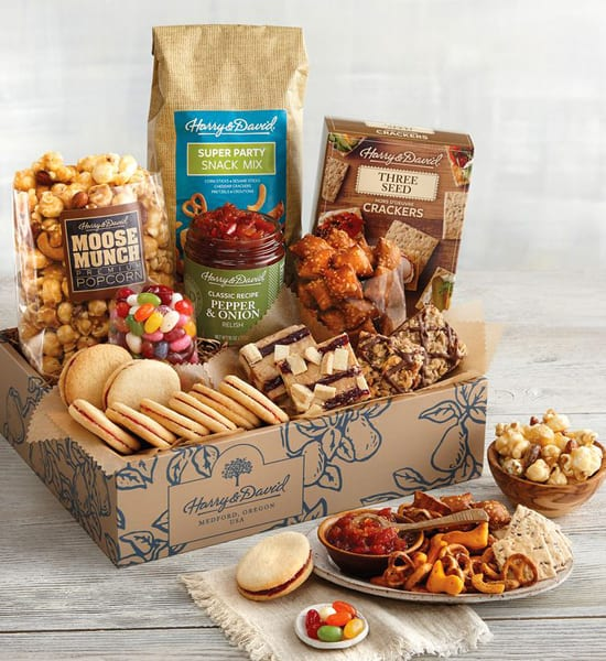 Harry & David Sweet and Salty Deluxe Gift Basket Giveaway