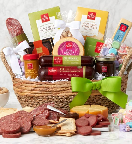 Hickory Farms Deluxe Summer Snack Gift Basket
